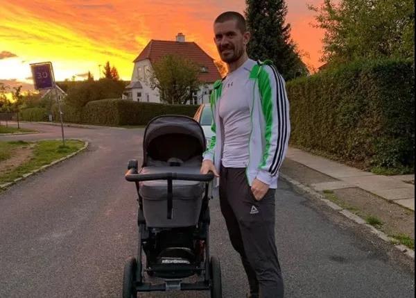 Hansen became a dad